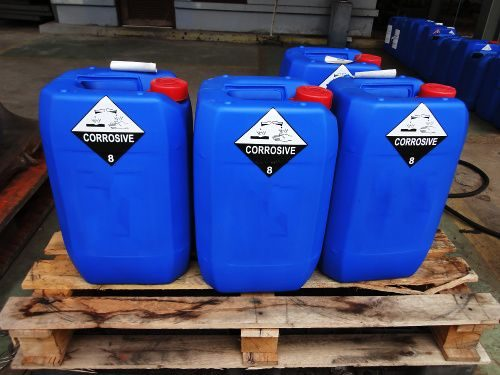 A food chemical safety image of ghs labelled containers.