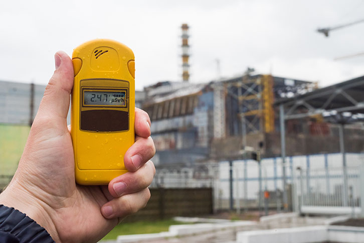 Testing radiation with dosimeter