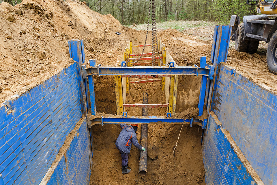 Metal Supports in Trench for Safety