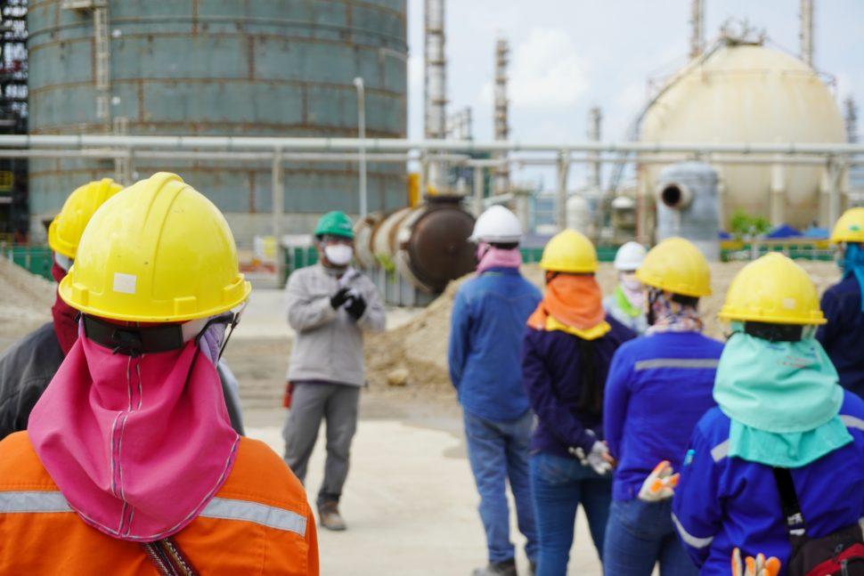 workers meet