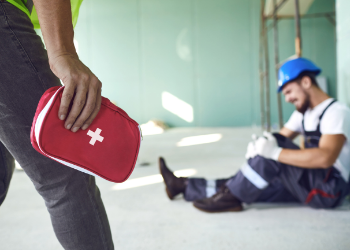 First aid response to injured construction worker